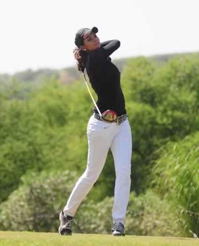 Sharmila Nicollet Golf